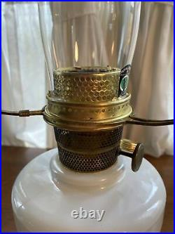 Vintage Aladdin Model B White Venetian Simplicity Kerosene Table Lamp Complete