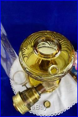 Vintage Aladdin WASHINGTON DRAPE Amber Crystal Oil Lamp Model B Brass Burner