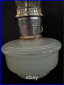 Vintage Antique Mantle Lamp Co. Aladdin Model B Nu-Type White Moonstone Oil Lamp