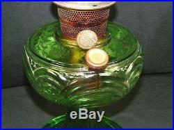 Vintage Washington Drape Aladdin Green Glass Oil Lamp Nu-Type Model B Burner