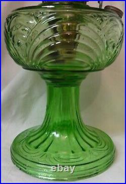 Washington Drape Round Stem Green Kerosene Lamp Aladdin Mantle Lamp Company